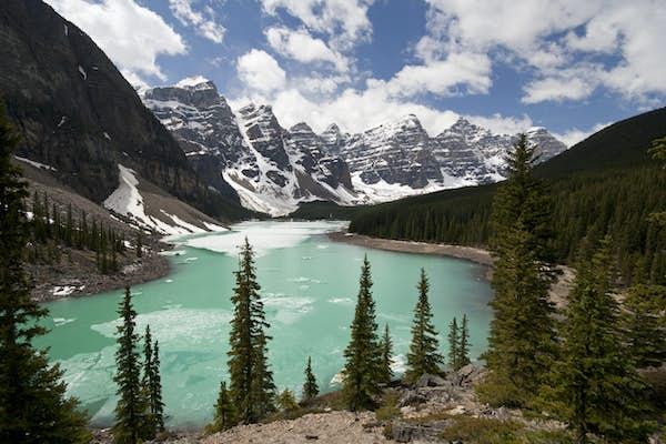Canada_Alberta Banff Moraine Lake