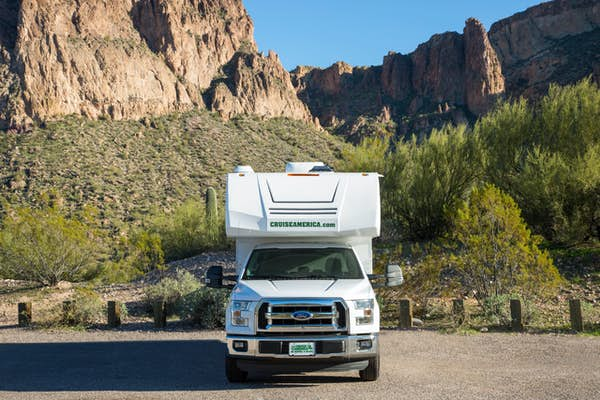 Cruise America motorhome T17 Truck Camper