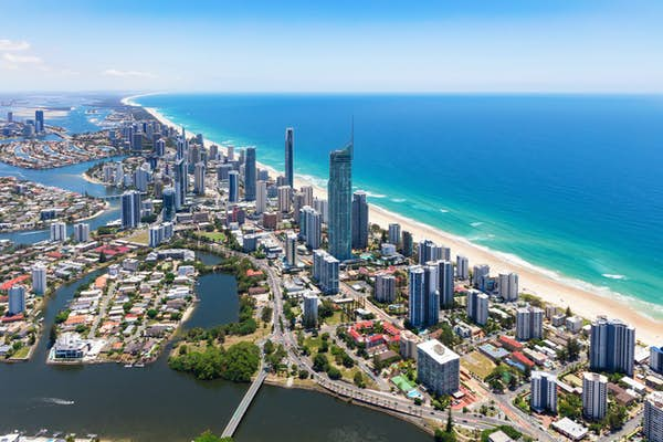 queensland_gold_coast_surfing