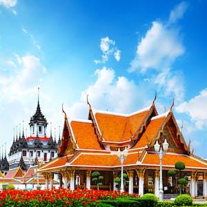 hvor er det varmt i februar thailand tempel