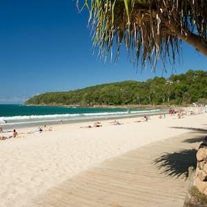 hvor er det varmt i februar australien noosa